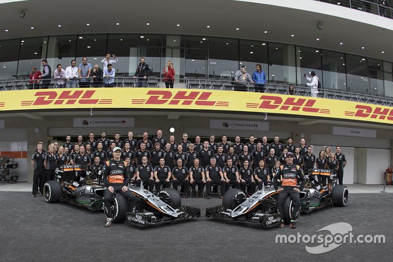Ніко Хюлкенберг, Sahara Force India та Серхіо Перес, Sahara Force India Team на командній фото