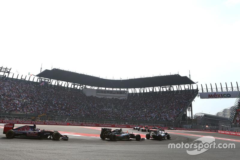Sergio Pérez, Sahara Force India y Carlos Sainz, Scuderia Toro Rosso