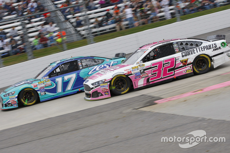 Ricky Stenhouse Jr., Roush Fenway Racing Ford and Kyle Fowler, Go FAS Racing Ford