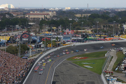 Michael Waltrip leads the field on the first lap
