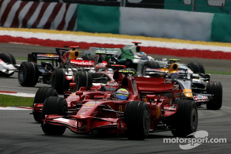 Start: Felipe Massa, Scuderia Ferrari, F2008 ve Kimi Raikkonen, Scuderia Ferrari, F2008