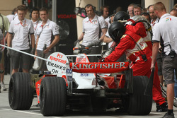 Giancarlo Fisichella, Force India F1 Team, VJM-01, refuelling