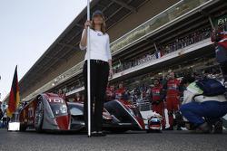 Audi Sport Team Joest grid girl