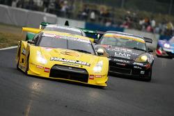 YellowHat Yms Tomica GT-R : Ronnie Quintarelli, Naoki Yokomizo