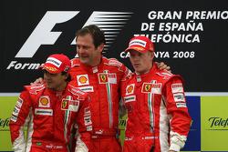 Podium: race winner Kimi Raikkonen with Felipe Massa and Aldo Costa, Scuderia Ferrari, Chief Designer