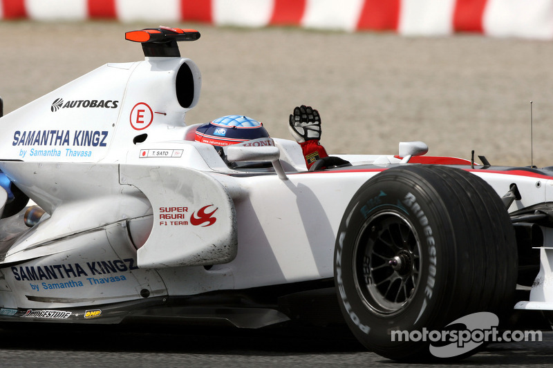Takuma Sato Super Aguri F1 SA08A kutlama yapıyor his race finish