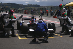 Pit stop for Guillaume Moreau