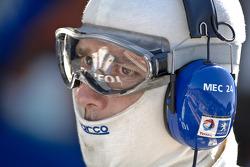 Team Peugeot Total team member