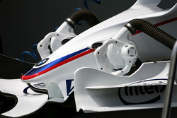 BMW F1.08 front wing detail