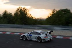#31 paragon AG Porsche 997 RSR: Klaus Frers, Patrick Bernhardt, Jörg Hardt, Pierre Kaffer