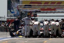 Refuelling for Jarno Trulli, Toyota Racing