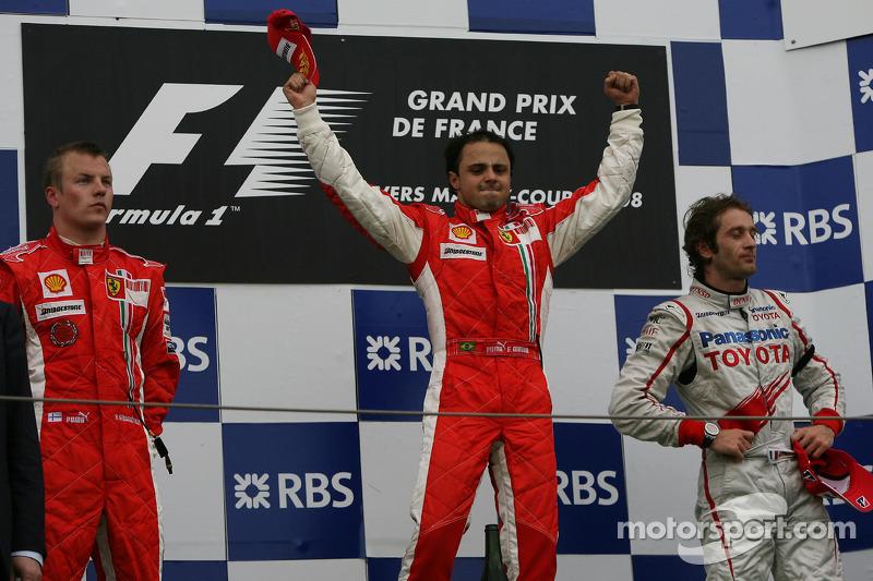 Podio: ganador de la carrera Felipe Massa, segundo lugar Kimi Raikkonen y el tercer lugar Jarno Trul
