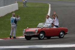 Drivers parade: Rubens Barrichello, Honda Racing F1 Team, Jenson Button, Honda Racing F1 Team