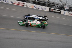 Tony Kanaan and Marco Andretti at the start