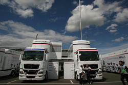 BMW Sauber F1 Team, trucks