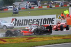 Heikki Kovalainen, McLaren Mercedes, MP4-23 , spun