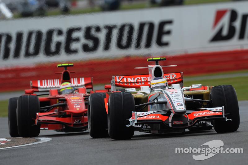 Giancarlo Fisichella, Force India F1 Team, VJM-01 and Felipe Massa, Scuderia Ferrari, F2008