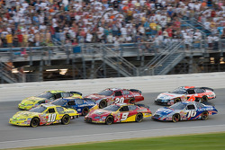 Brian Vickers leads the field on a restart