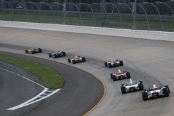 Will Power leads a group of cars