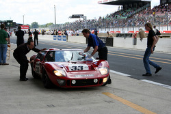 #33 Ford GT 40 1965: Richard Meins