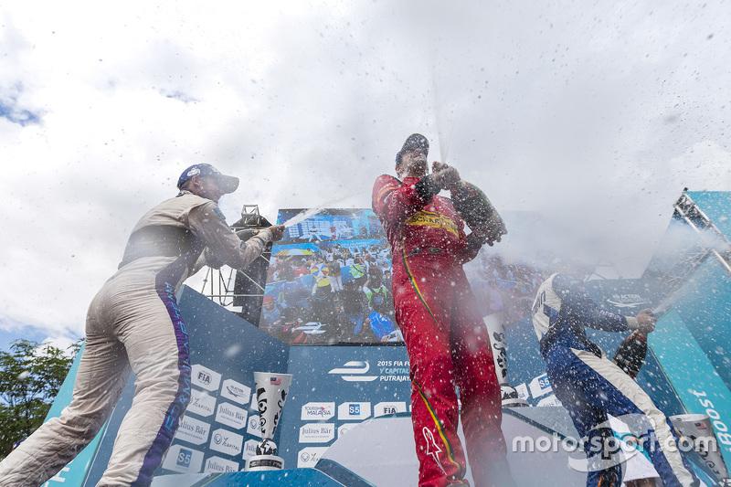 Podium: race winner Lucas di Grassi, ABT Schaeffler Audi Sport, second place Sam Bird, DS Virgin Rac