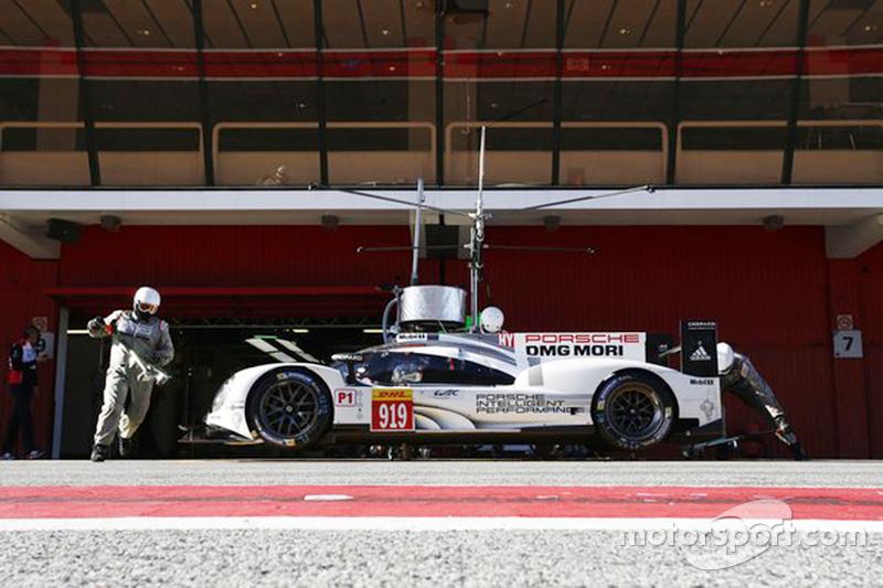 Porsche Team testing