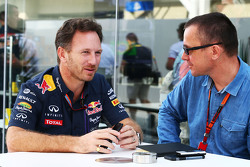 Christian Horner, Red Bull Racing Team Principal con Jonathan Noble, Motorsport.com Editor