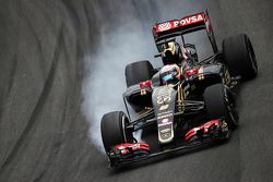 Romain Grosjean, Lotus F1 E23 bloquea los frenos