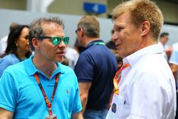 Jacques Villeneuve con Mika Salo