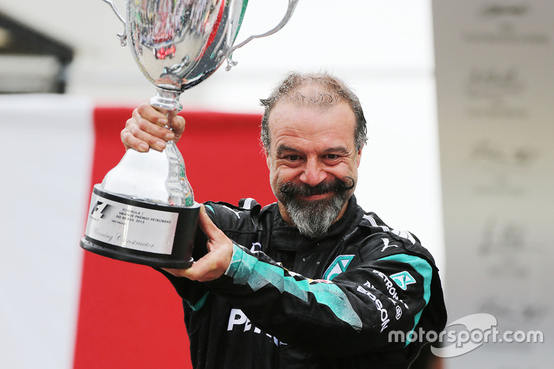 Jimmy Waddell, Mercedes AMG F1, feiert auf dem Podium