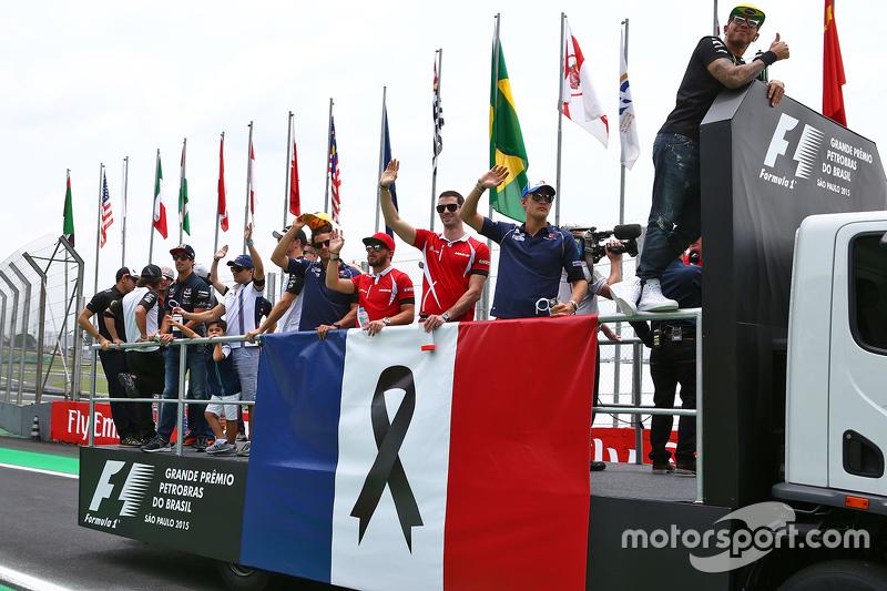 Schweigeminute für die Terroropfer in Paris