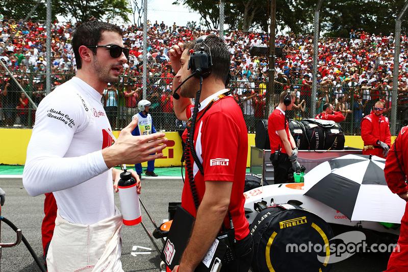 Alexander Rossi, Manor Marussia F1 Team, in der Startaufstellung