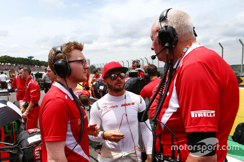 Will Stevens, Manor Marussia F1 Team, mit John Booth, Manor Marussia F1 Team, Teamchef, in der Start
