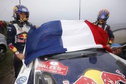 Sébastien Ogier y Julien Ingrassia, Volkswagen Polo WRC, Volkswagen Motorsport con la bandera de Fra