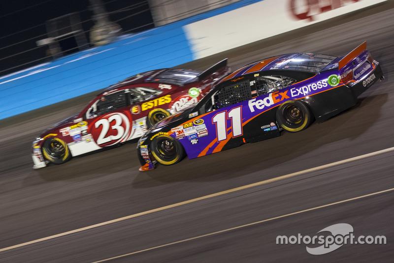 Denny Hamlin, Joe Gibbs Racing Toyota; Jeb Burton, BK Racing Toyota