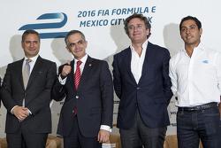 (izq-Der) Alejandro Soberón presidente de CIE, Miguel Mancera alcalde de la Ciudad de México Alejandro Agag  CEO Fórmula E y Salvador Duran Team Aguri