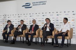 (Da sinistra a destra) Alejandro Soberón presidente CIE, Miguel Mancera sindaco di Città del Messico, Alejandro Agag CEO Formula E e Salvador Duran Team Aguri