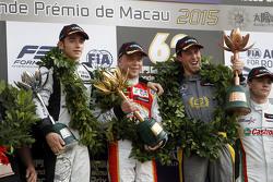 Podium: winnaar Felix Rosenqvist, Prema Powerteam, tweede plaats Charles Leclerc, Van Amersfoort Rac
