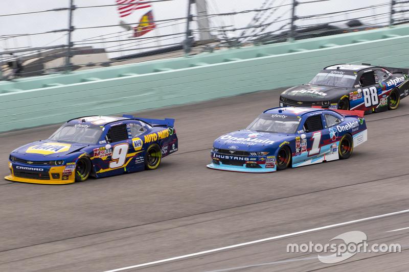 Чейз Елліот, JR Motorsports Chevrolet та Елліотт Седлер, Roush Fenway Racing Ford та Ben Rhodes, JR Motorsports Chevrolet