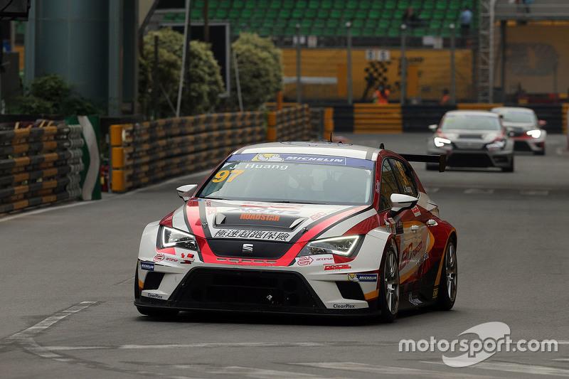 Johnson Huang, SEAT Leon, Roadstar Racing Team