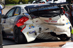 Unfall von Sunny Wong, Honda Civic TCR, WestCoast Racing