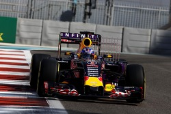 Daniel Ricciardo, Red Bull Racing RB11 running sensor equipment