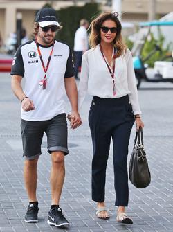 费尔南多·阿隆索,迈凯伦车队,与女朋友Lara Alvarez
