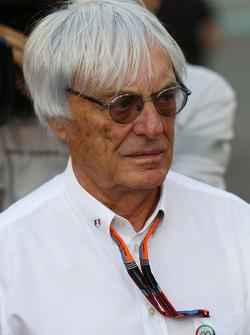 Bernie Ecclestone, op de grid