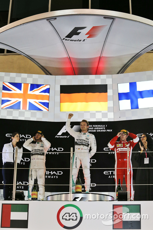 Podium: El ganador Nico Rosberg, Mercedes AMG F1 Team, segundo, Lewis Hamilton, Mercedes AMG F1 Team, tercero, Kimi Raikkonen, Ferrari