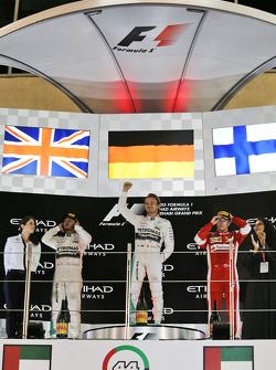 Подиум: Победитель гонки - Нико Росберг, Mercedes AMG F1 Team, второе место - Льюис Хэмилтон, Mercedes AMG F1 Team, третье место - Кими Райкконен, Ferrari