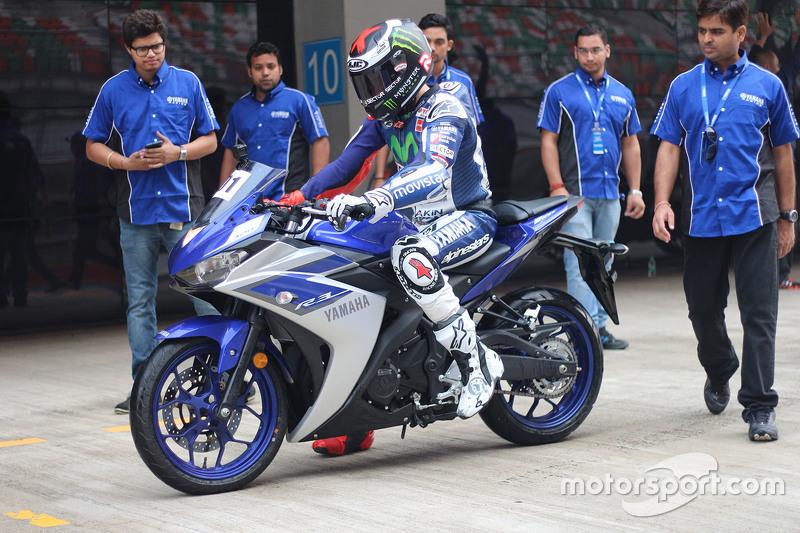 Jorge Lorenzo, Yamaha Factory Racing with the Yamaha YZF-R3 at Jorge Lorenzo India Visit