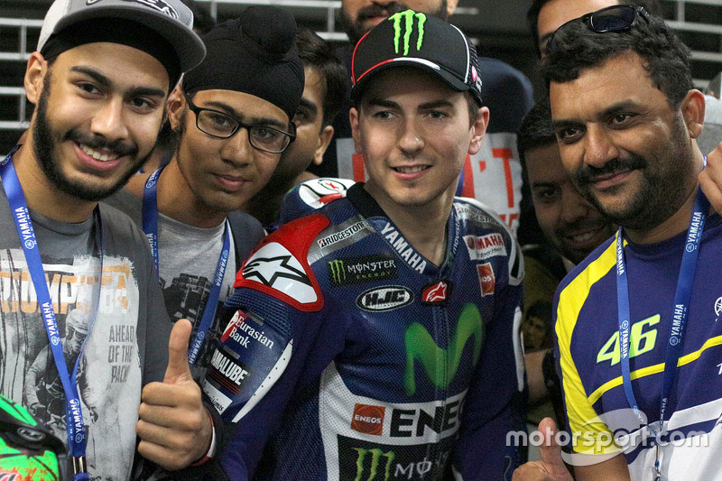 Jorge Lorenzo, Yamaha Factory Racing con los fans