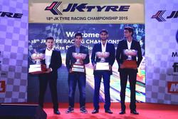 2015 Şampiyonları: Pradeep Rao Vadiyam, Ajay Kini, Anindith Reddy, Vishnu Prasad