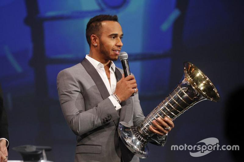 Lewis Hamilton agradece